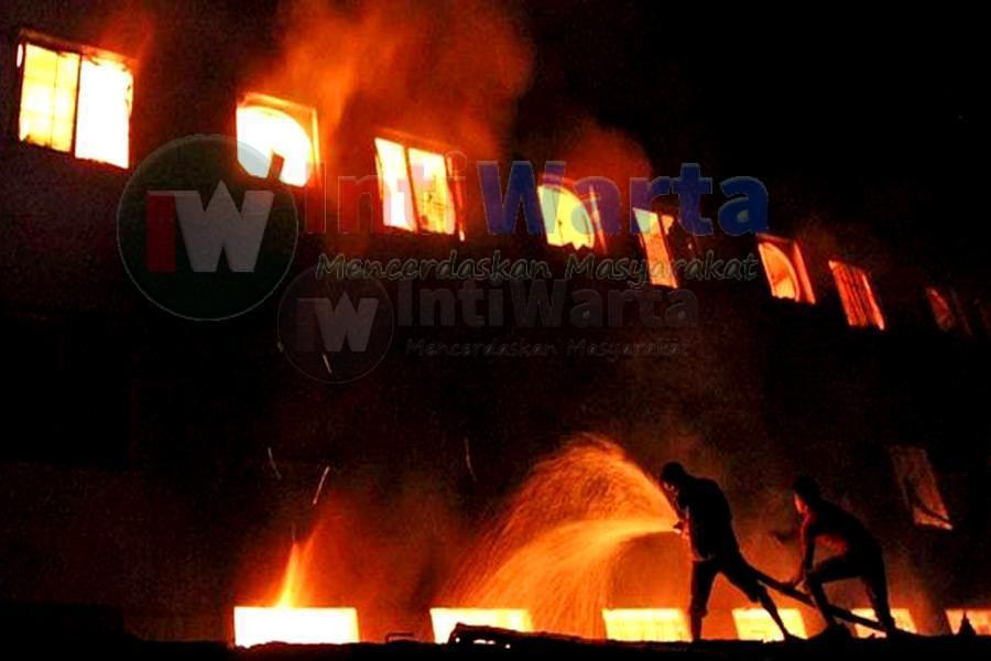 Kebakaran Pabrik Di Dhaka, 10 Orang Tewas