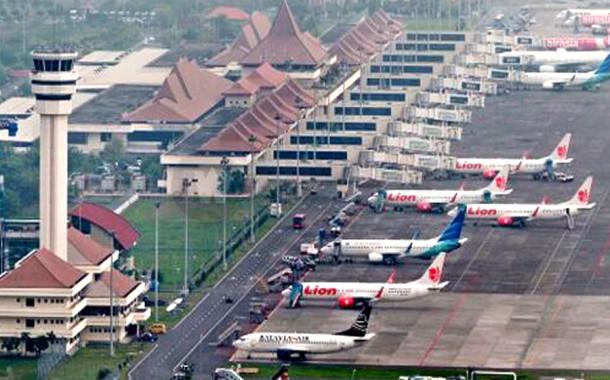Penerbangan Ke Juanda Dialihkan Ke Bali
