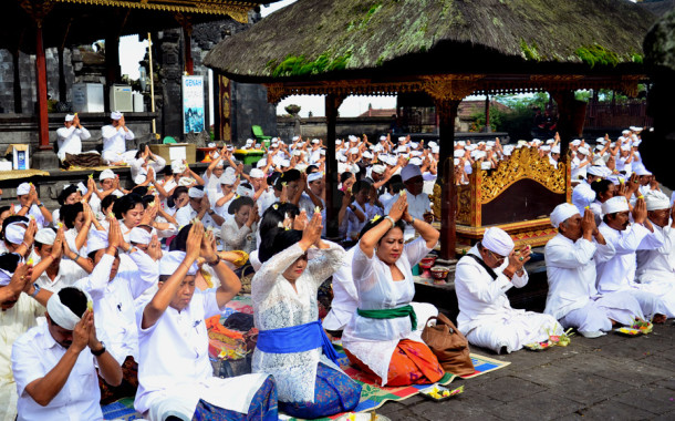 Umat Hindu Rayakan Hari Suci Galungan