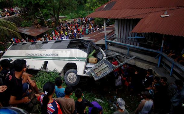 Dua Meninggal Dalam Kecelakaan Bis Unand