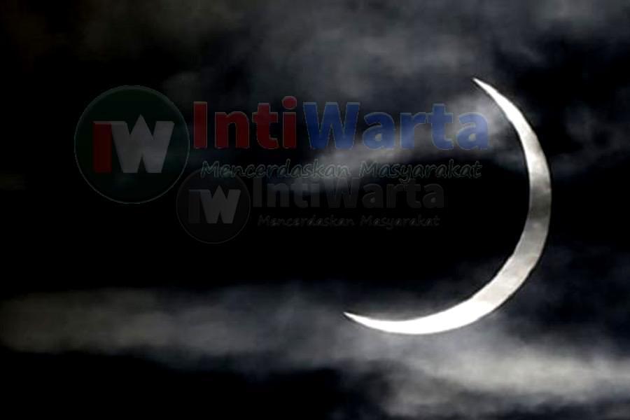 Umat Islam Surabaya Nobar Gerhana Matahari