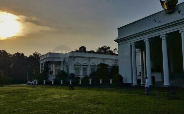 Gerhana Matahari, Jokowi Kagumi Kebesaran Tuhan