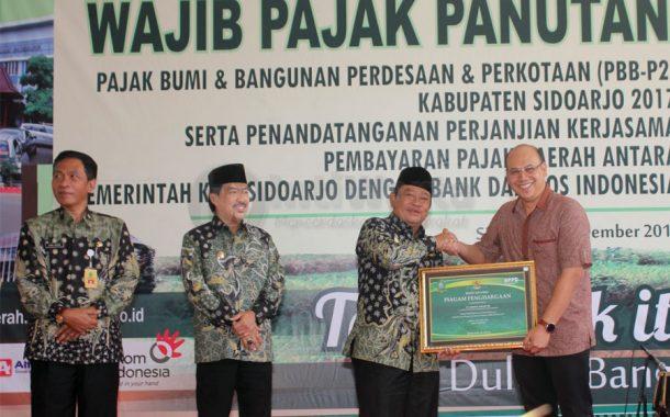 Sidoarjo Beri Penghargaan Perusahaan Taat Pajak
