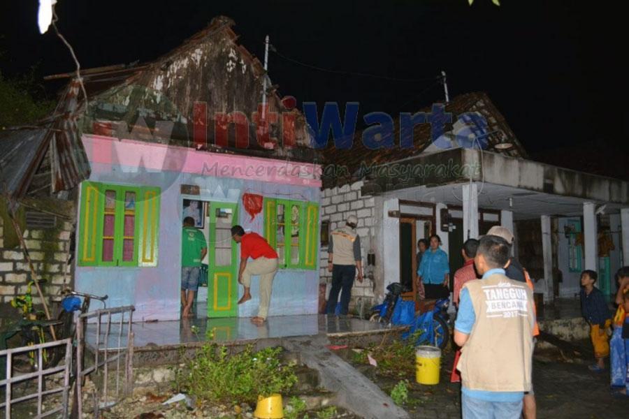 5 Rumah Rusak Akibat Angin Di Gresik