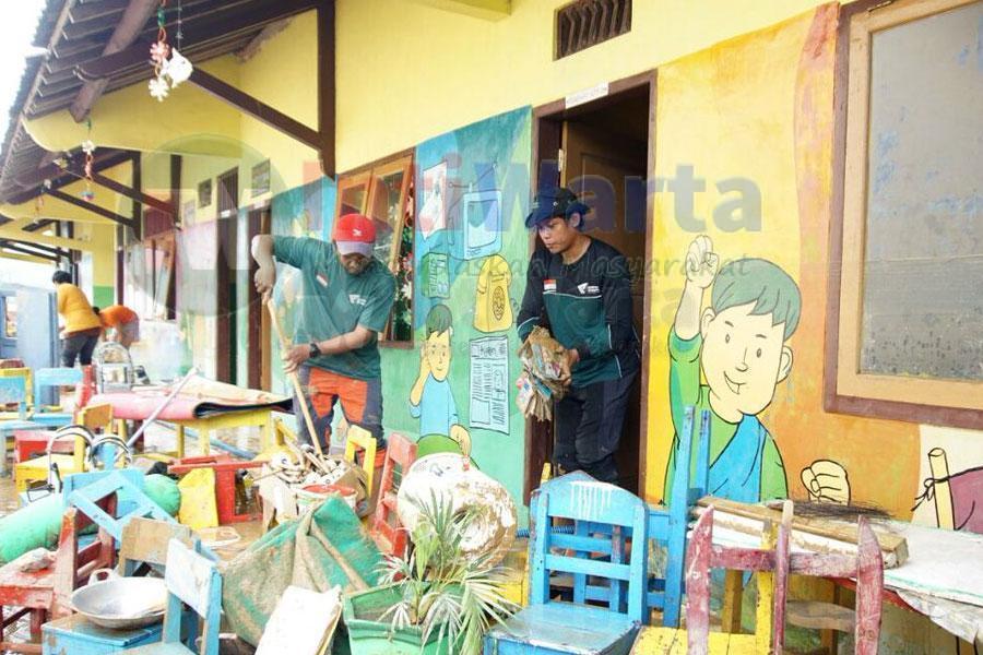 Siswa Pacitan Butuh Bantuan Alat Sekolah