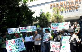 Aktivis Lingkungan Desak Perhutani Bubar