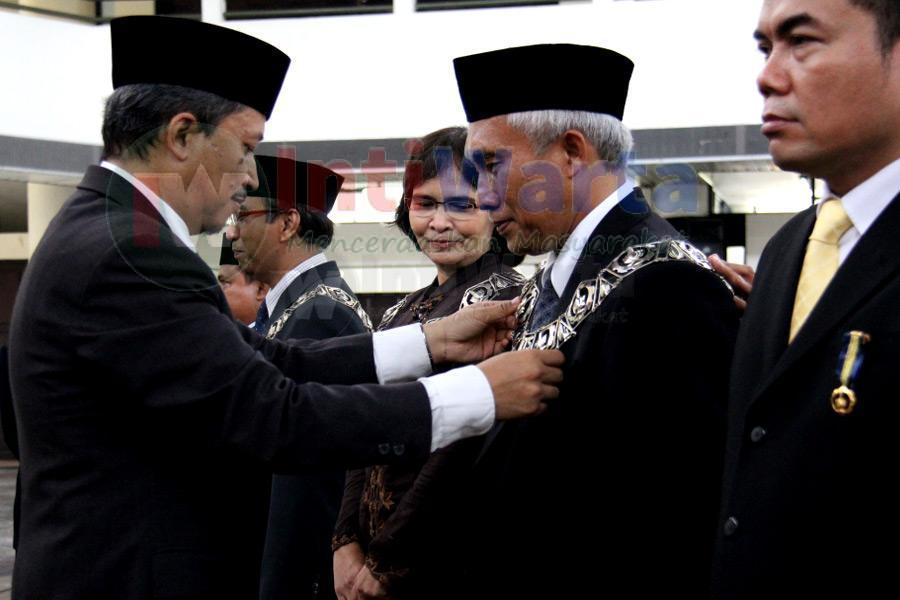 Rektor ITS Lantik Dekan Dan Pejabat Baru