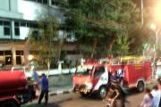 KPU Surabaya Terbakar Selepas Maghrib