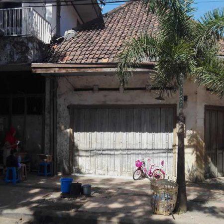 Rumah Tengah Kota Surabaya 8 Miliar