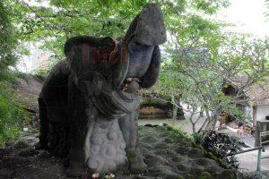 Sakralnya Arca Dan Pemandian Goa Gajah