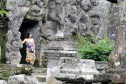 Goa Gajah Tempat Suci Agama Hindu Dan Buddha
